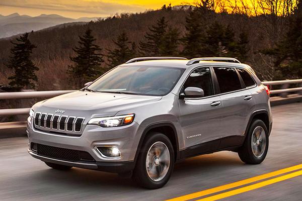 Cherokee: mudanças no design e motorização