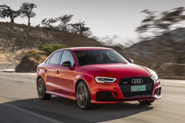 Audi RS3: tecnologia e alta performance