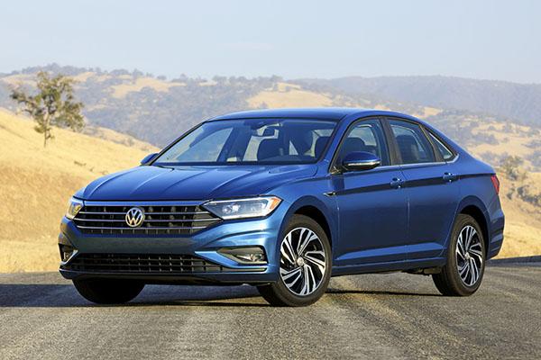 VW Jetta: totalmente refeito, virá ao Brasil