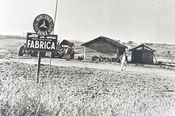 Registro histórico: 1953 a Mercedes inicia implantar-se no Brasil