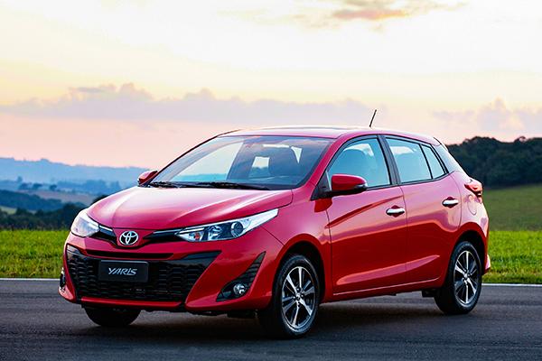 Por construção, acerto e equipamentos, o Toyota Yaris quer espaço no disputado mercado