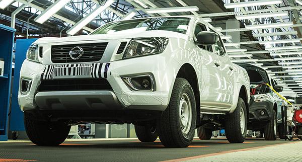 Nissan não informou, mas a produção do Mercedes Classe X já começou. É o segundo na linha de montagem (foto: Autoblog.com.ar)